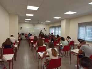 Gracias a Exams Levante por su ayuda y buena organización y a los candidatos.
